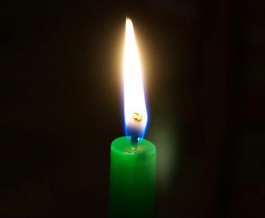 Green candle money prayer